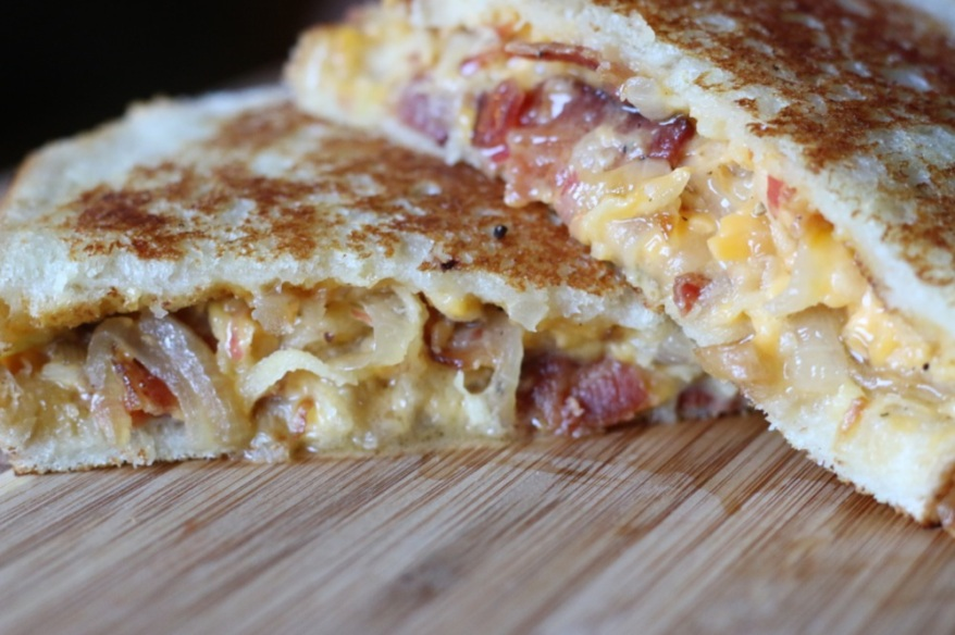 Grilled Cheese with Apple, Bacon and Caramelized Onion